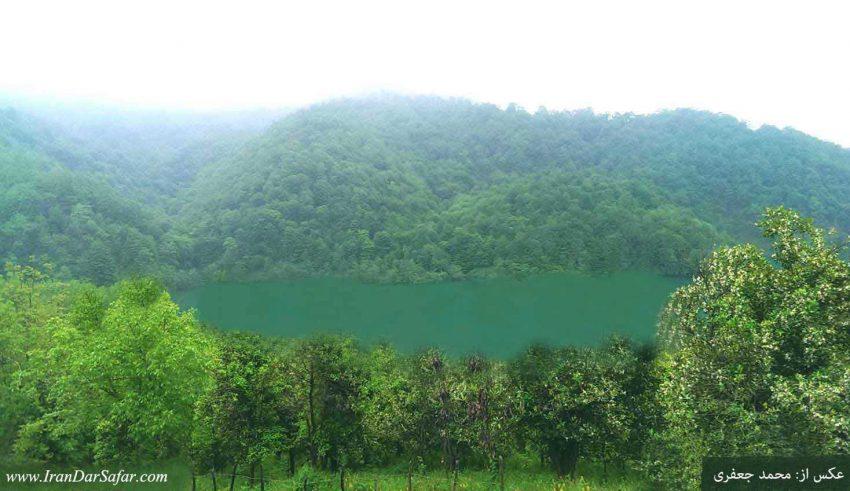 دریاچه جنگلی مجیران در تنکابن مازندران - دریاچه مجیران - عکس از محمد جعفری از اصفهان